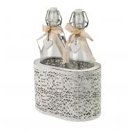 Две бутылки с крышками в корзинке Прованс