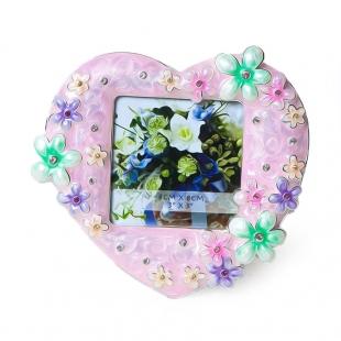 PF3274P-3 8x8 минирамка-сувенир  в виде сердца, розовая с цветами металлическая со стразами