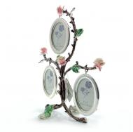 Рамка для фотографий в виде веток с розами на 3 фото