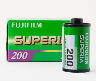 Fuji Superia 200/24 10//100